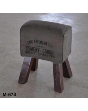 M-674 Stołek loft, pufa z nóżkami 39 x 30 x 50